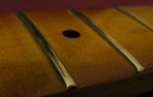 Bedini - Strumenti Musicali - Liutaio a Modena Ferrara e Rovigo - Corde-2-1024x460-500x320 Riparazioni