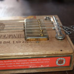 Bedini - Strumenti Musicali - Liutaio a Modena Ferrara e Rovigo - cigar-box-guitar-realizzate-bedini-18-150x150 CIGAR BOX GUITAR